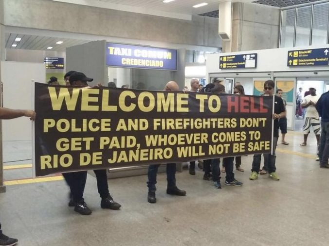 brazillian-police-welcome-tourists-welcome-to-hell-696x522